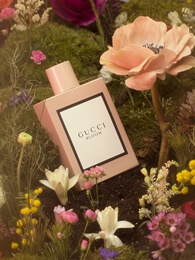 Unboxing GUCCI BLOOM Perfume Packaging